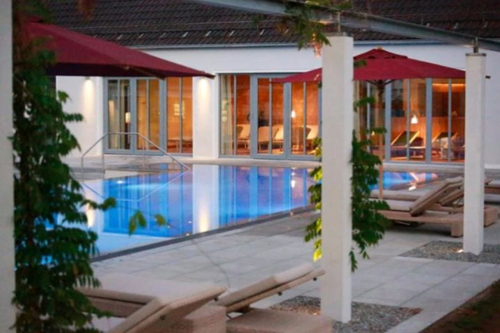 Schwimmbad im BO Parkhotel in Bad Aibling - bauma 2019 Messehotel - B&O Parkhotel Bad Aibling