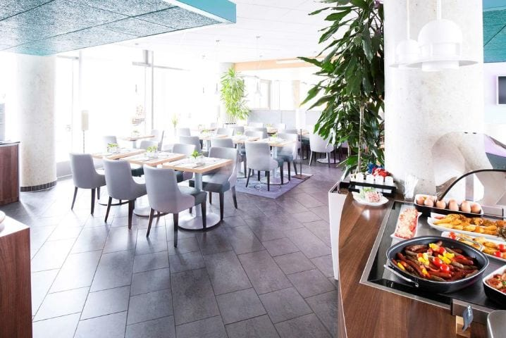Hotelrestaurant 6 - IAA Commercial Vehicles 2020 Novotel Suites Hotel Hannover City