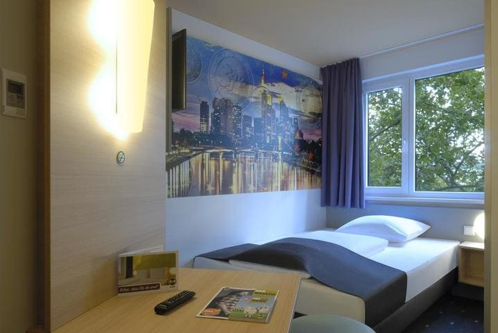 Einzelzimmer BB Hotel Frankfurt City Ost - Light + Building 2020 B&B Hotel Frankfurt City-Ost