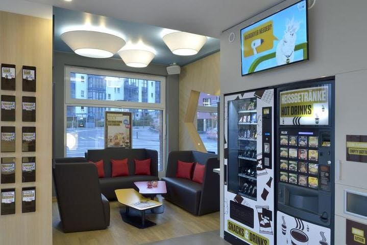 Snackautomaten BB Hotel Mainz - Light + Building 2020 B&B Hotel Mainz-Hbf