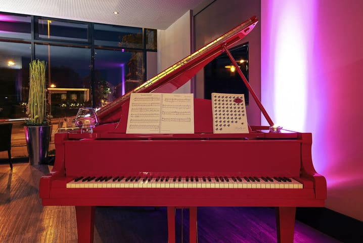 Piano Mercure Hotel Plaza Essen - MEDICA 2020 Mercure Hotel Plaza Essen